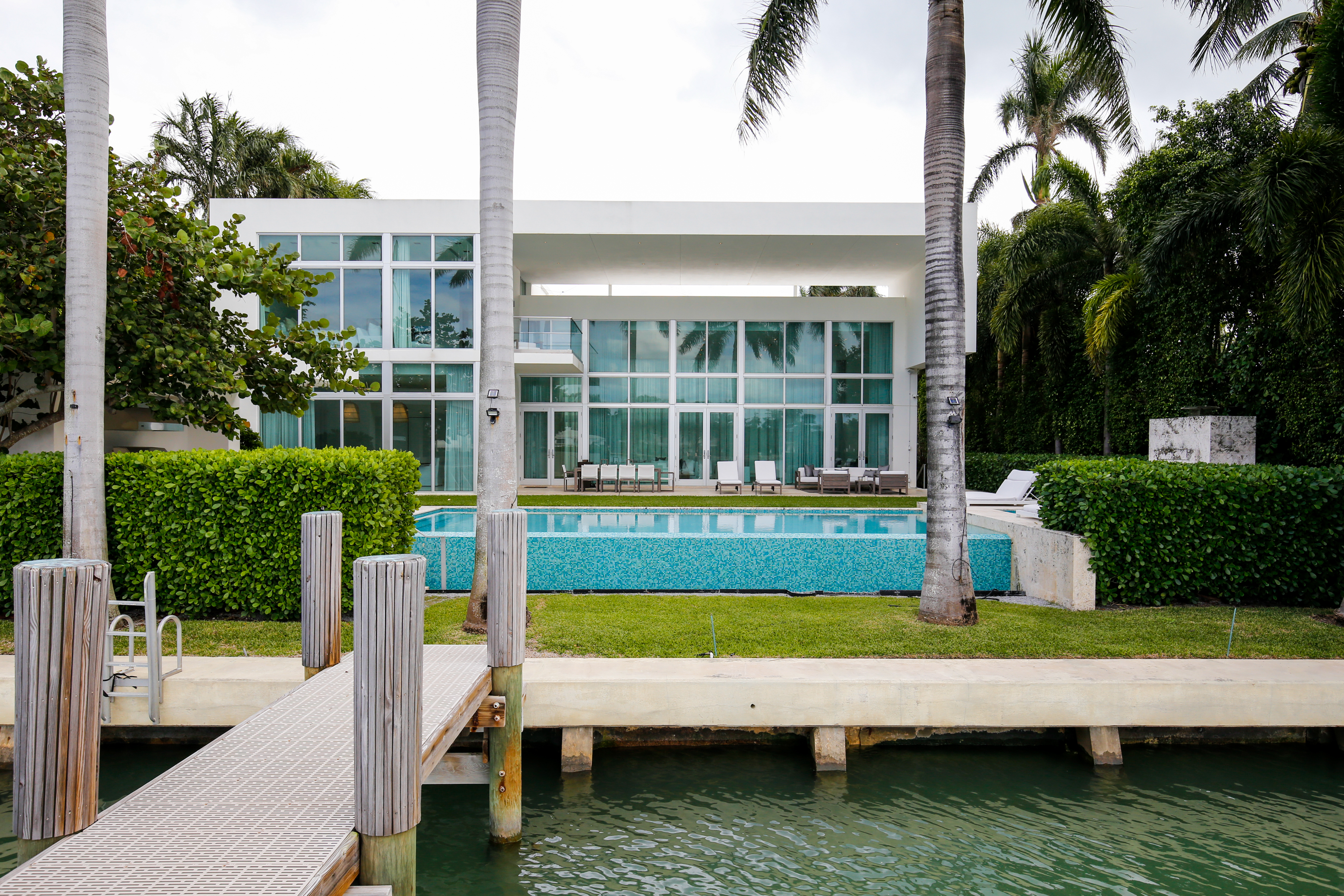 Single Family Home for sale in 6396 N Bay Rd, Miami Beach, Florida ,33141