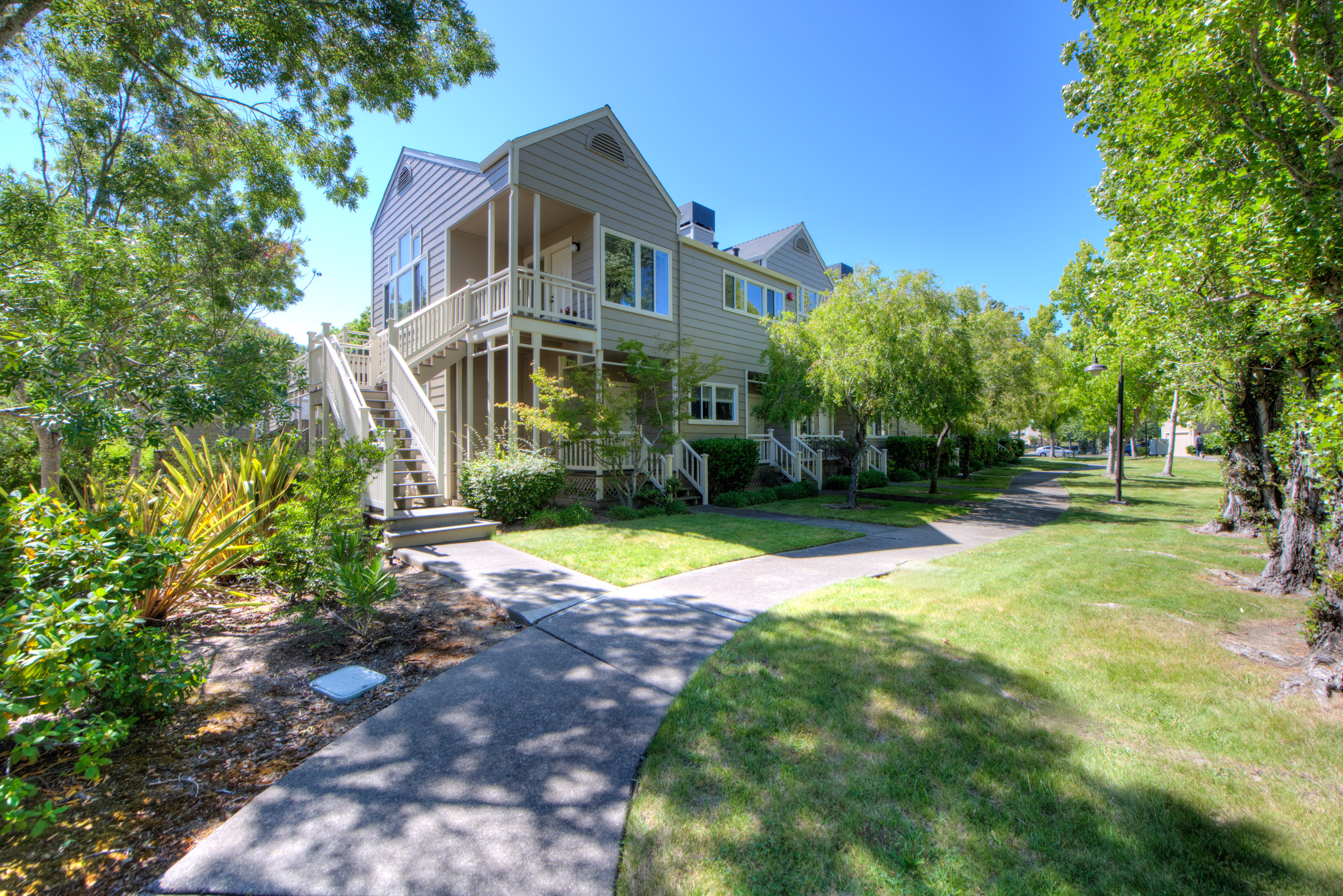 Apartment for sale in 55 Parkview Circle, Corte Madera, California ,94925
