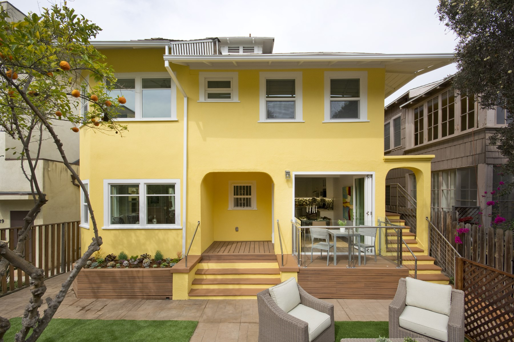 Residential For Sale in 31 Breeze Ave, Venice, California ,90291