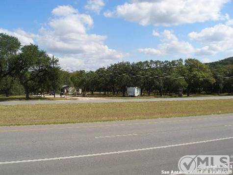 Commercial For Sale in 33170 HWY 281 N, Bulverde, Texas ,78163-3123