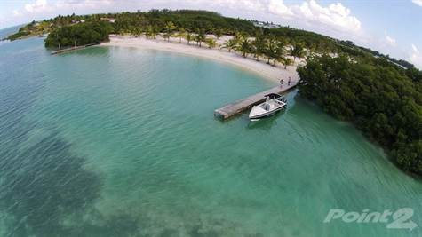 Residential For Sale in 5 acres Private island near Belize Barrier Reef, St. George's Caye, Belize   , Belize