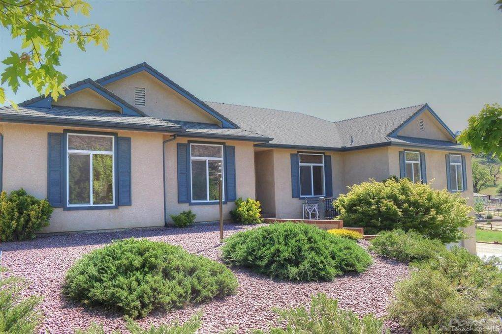 Residential For Sale in 26560 Columbia Way, Bear Valley Springs, California ,93561