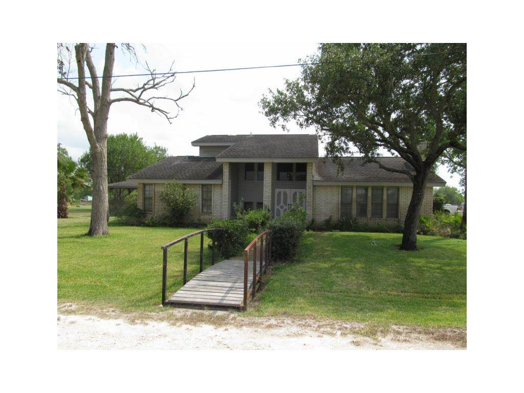 Residential For Sale in 9699 Pvt Rd 468, Mathis, Texas ,78368