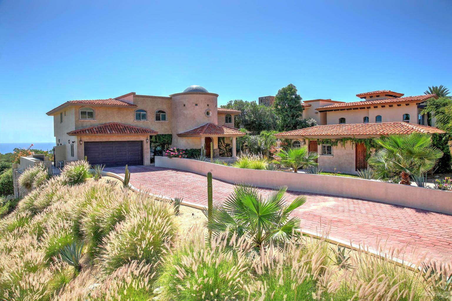 Residential For Sale in FOR SALE ONE OF A KIND HOUSE AT CSL CORRIDOR $899,000 USD., Cabo San Lucas, Baja California Sur ,23400  , Mexico