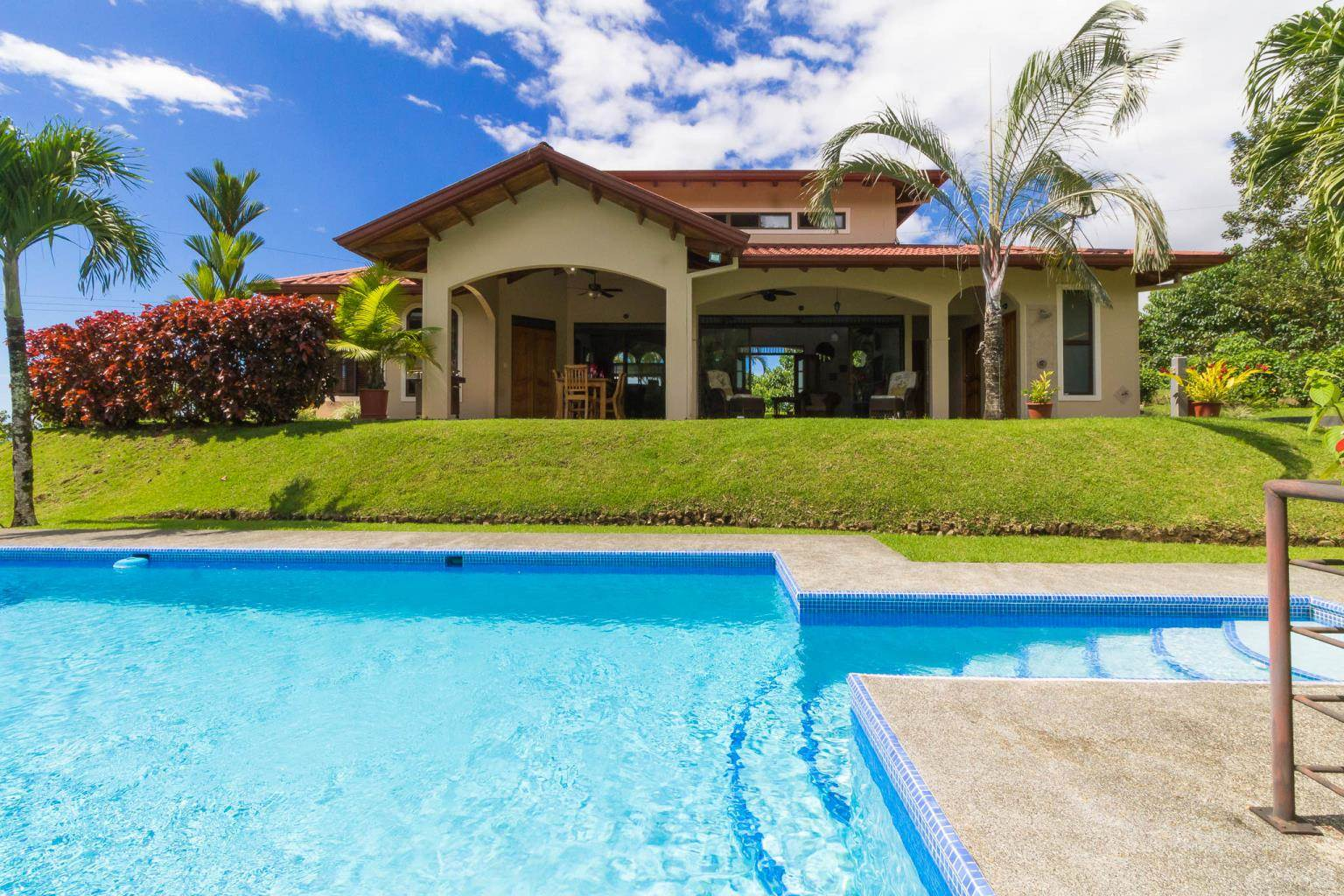 Residential For Sale in Light and bright! Lovely 3-bedroom, 2.5-bath home with pool and ocean views in Phase 9 in Ojochal, Ojochal, Puntarenas ,60501  , Costa Rica