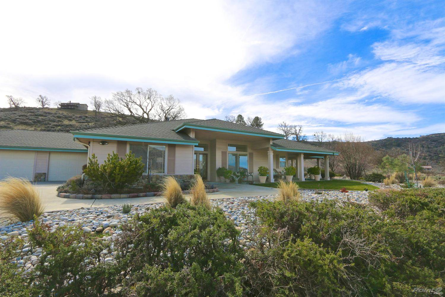 Residential For Sale in 26950 Frontier Way, Bear Valley Springs, California ,93561