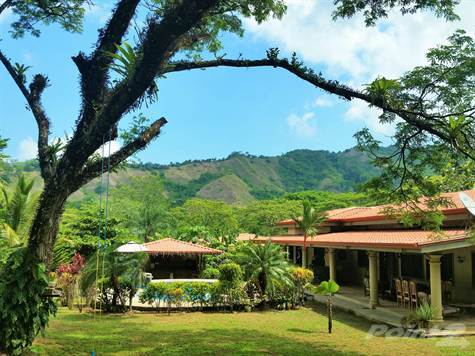 Residential For Sale in Ideal Vacation Rental, Family Compound, B&B, Retreat Center just 5 minutes to Jaco or Los Suenos, Jaco, Puntarenas ,006391  , Costa Rica