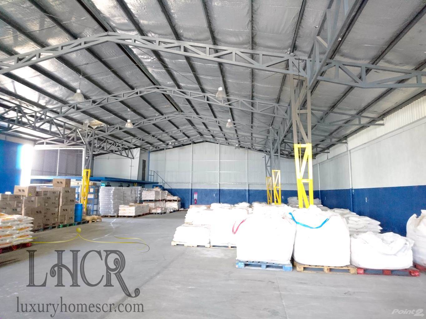 Commercial for lease in Commercial Office, Storage and distribution building, Uruca, San José   , Costa Rica