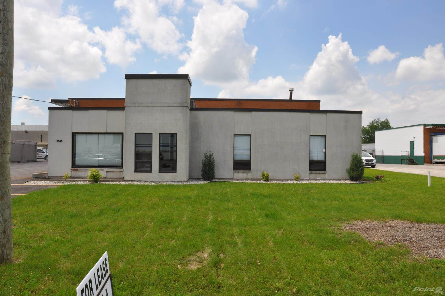 Commercial for lease in 5145 Halford, Tecumseh, Ontario ,N9A 6J3  , Canada