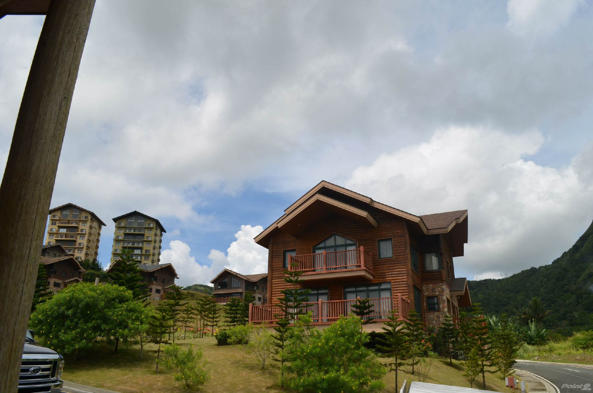Condominium for sale in Woodlands Point, Tagaytay Highlands, Tagaytay, Cavite ,4120  , Philippines