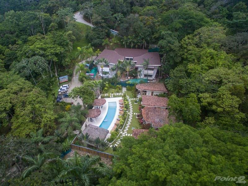 Residential For Sale in CONDO - 2 and 3 Bedroom Modern Villas With Shared Pool, Close To Everything!!!, Manuel Antonio, Puntarenas   , Costa Rica