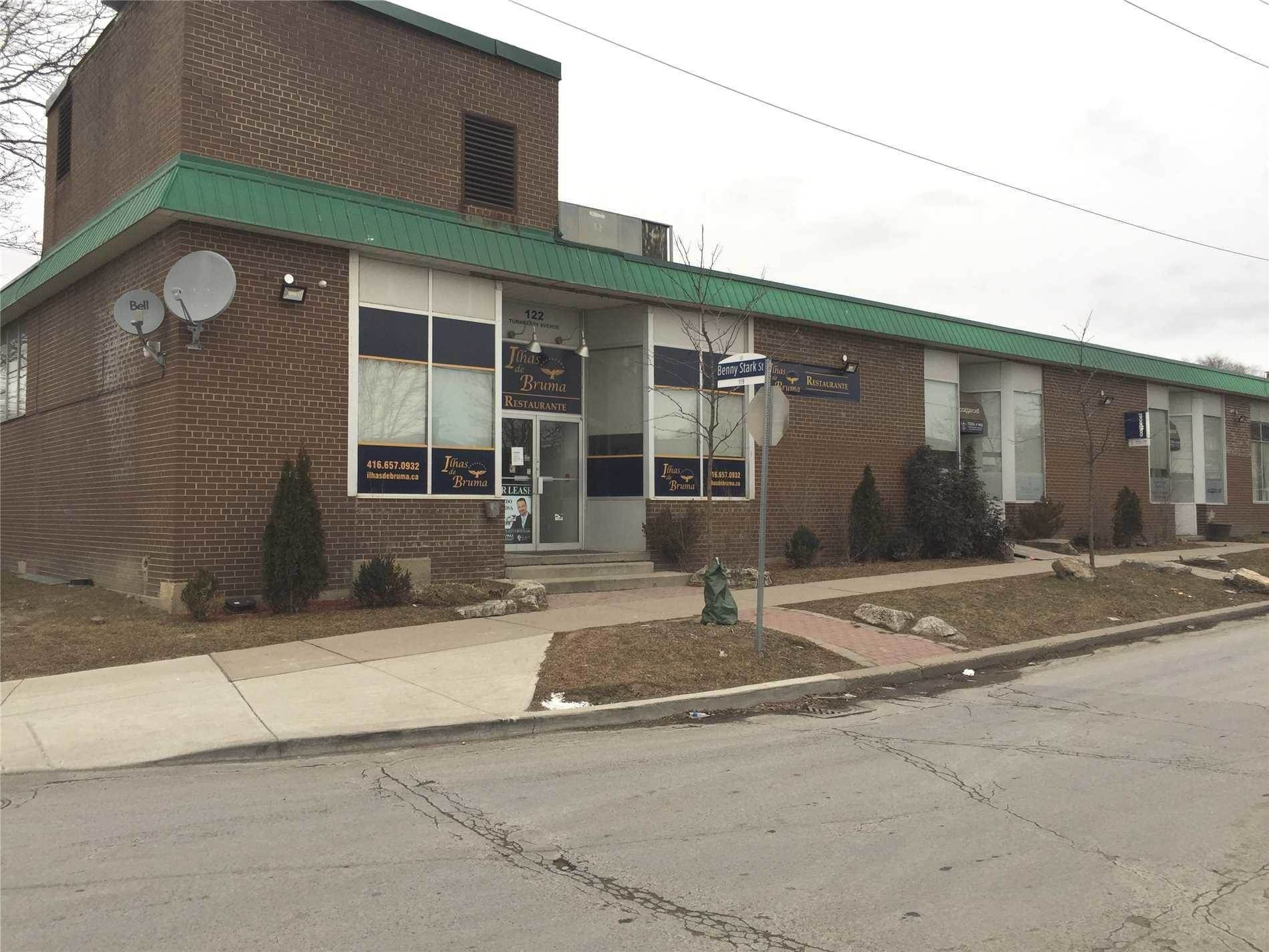 Commercial for lease in 122 Turnberry Ave, Toronto, Ontario ,M6N1R1  , Canada