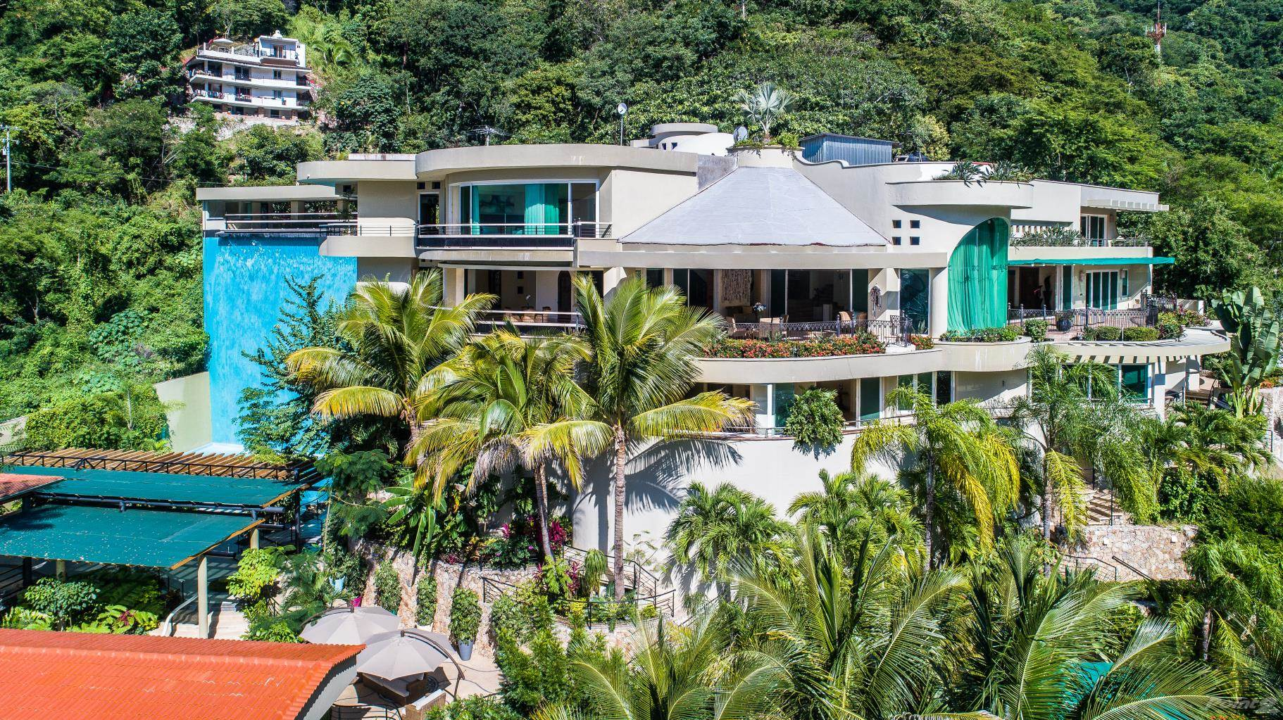 Residential For Sale in OCEAN VIEW BEACH FRONT HOME -7 BEDROOMS- 2 POOL- ENTERTAINMENT DECK 2000 sq.ft.- ELEVATOR, Puerto Vallarta, Jalisco ,48380  , Mexico