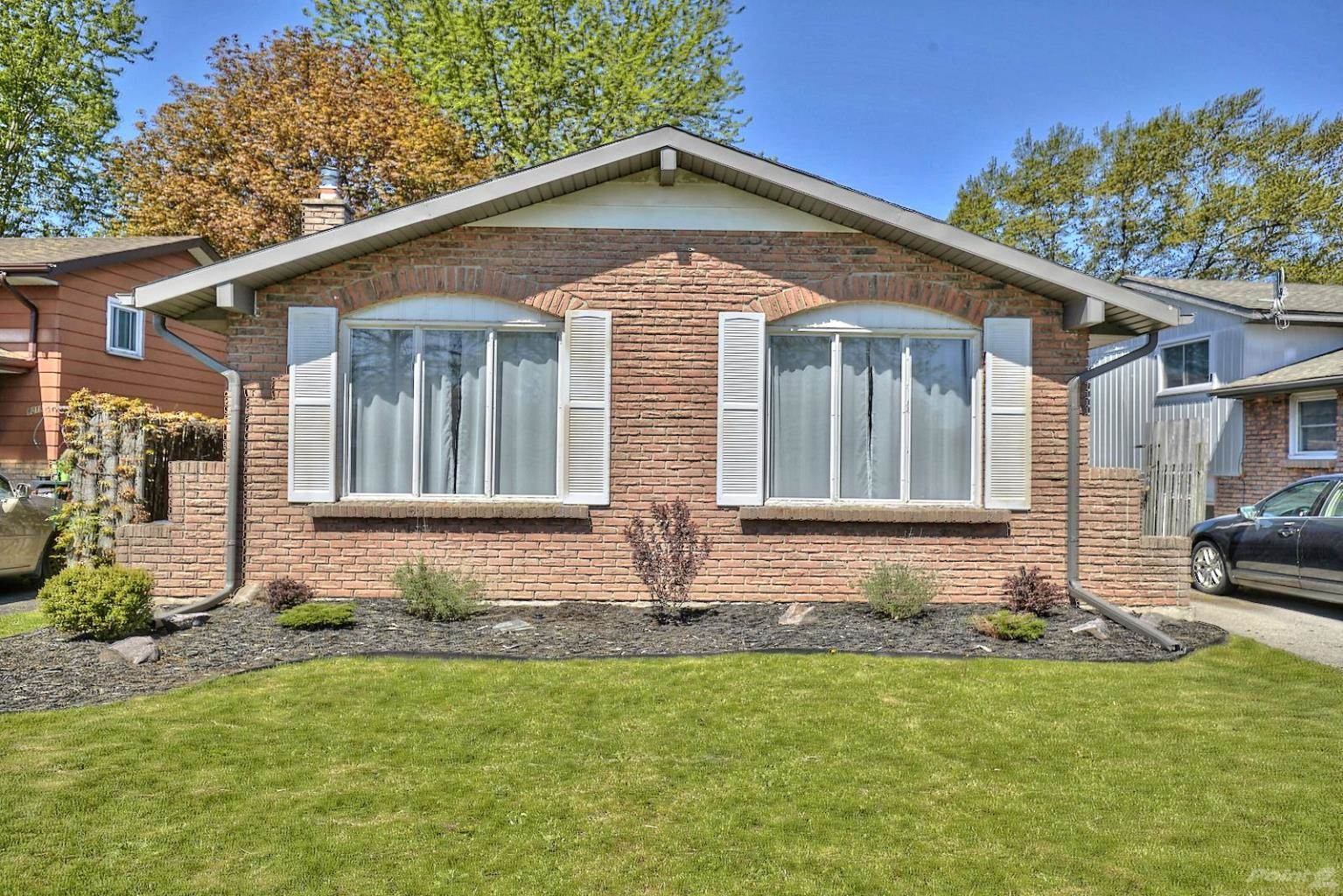 Strange Niagara Falls Real Estate Find Residential Properties For Home Interior And Landscaping Ologienasavecom