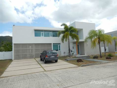 Residential For Sale in La Cima de Ciudad Jardin, Caguas, PR ,00727