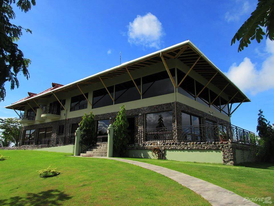 House for sale Chiriqui, Panama Estate with Superior Residence or Hotel on 50 Hectares with Landing Strip