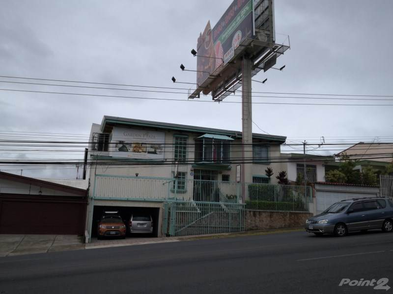 Commercial for lease in San Vicente de Moravia, costado norte de Plaza Lincoln, Moravia - San Vicente de Moravia - Barrio Los Cole, San José   , Costa Rica