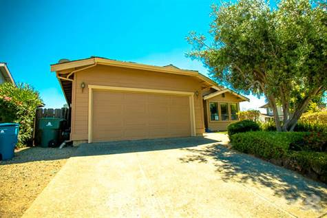 House for sale in 1205 Meadow Way Circle, Hollister, California ,95023
