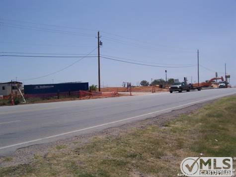 Commercial For Sale in 00 HONDO AVE E, Devine, Texas ,78016