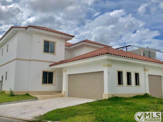 Residential For Sale in Fairway Estates - Santa Maria Golf & Country Club, Panamá, Panamá   , Panama