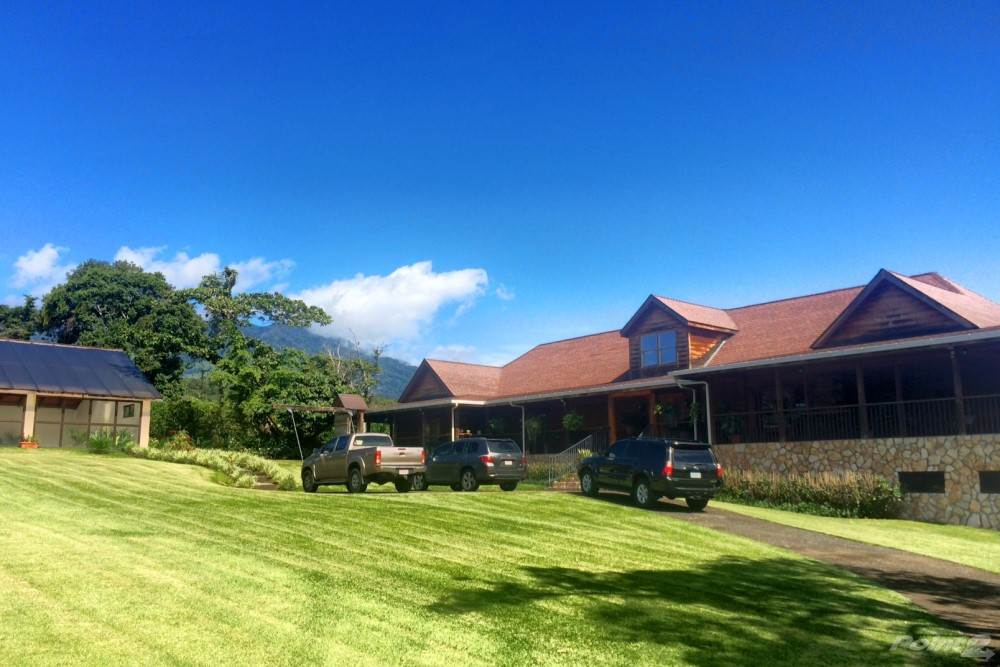 Residential For Sale in Impressive Estate House with Indoor Swimming Pool, Boquete, Chiriquí   , Panama