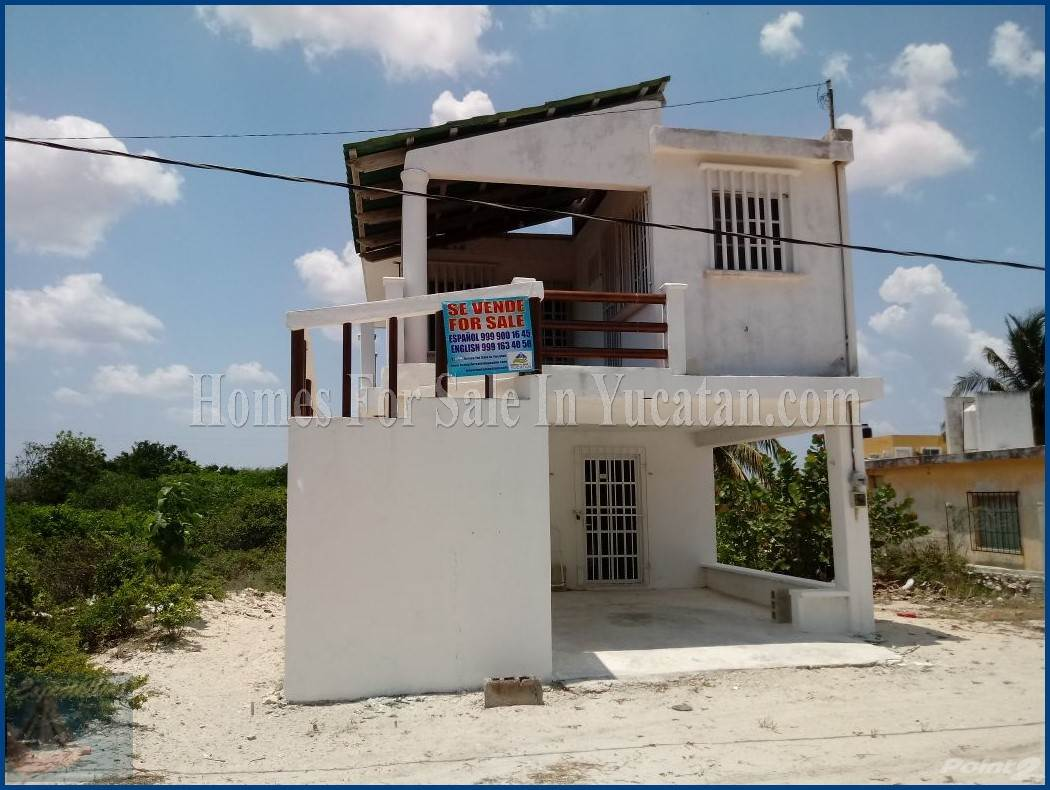 House for sale Two Story House For Sale in Chuburna Puerto
