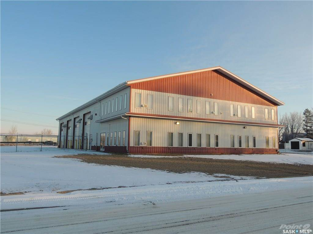 Commercial for lease in 901 Edward STREET, Estevan, Saskatchewan ,S4A 1S8  , Canada