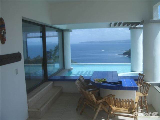 Residential For Sale in Beautiful Large Oceanfront Home And land, La Cruz, Guanacaste ,50308  , Costa Rica
