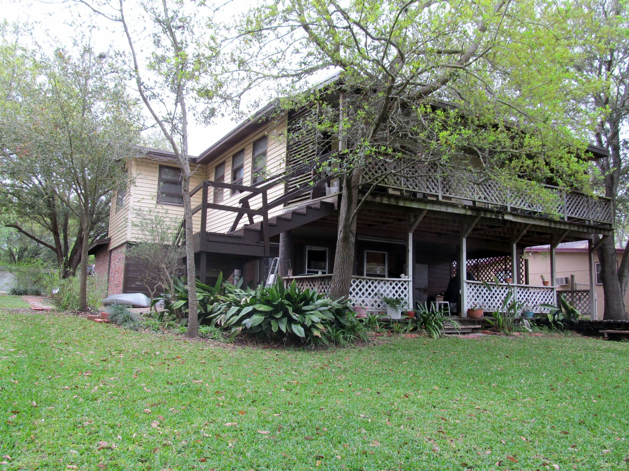 Residential For Sale in 24945 Lakeshore, Mathis, Texas ,78368