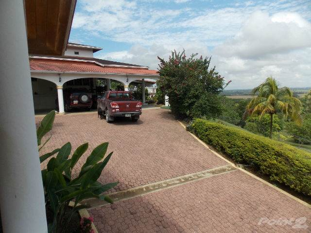 Residential For Sale in # 2362 - 3 BEDROOM HOUSE + 2 GUEST HOUSE + 6 ACRES OF LAND - CAYO, BELIZE, San Ignacio, Cayo   , Belize