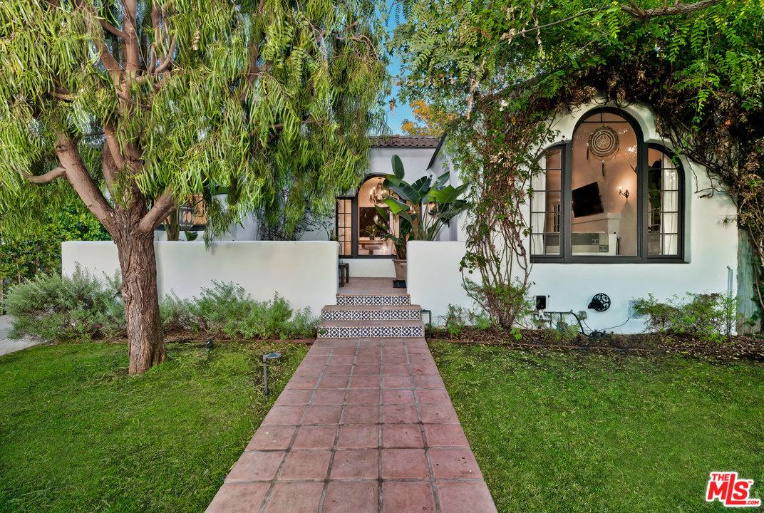 Single Family Home for sale in North 428 EDINBURGH Avenue, Los Angeles (City), California ,90048