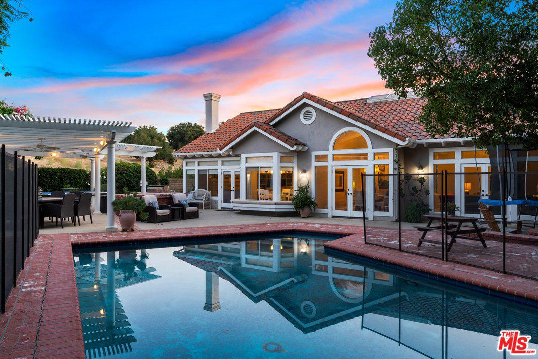 Single Family Home for sale in 22101 CAIRNLOCH Street, Calabasas, California ,91302