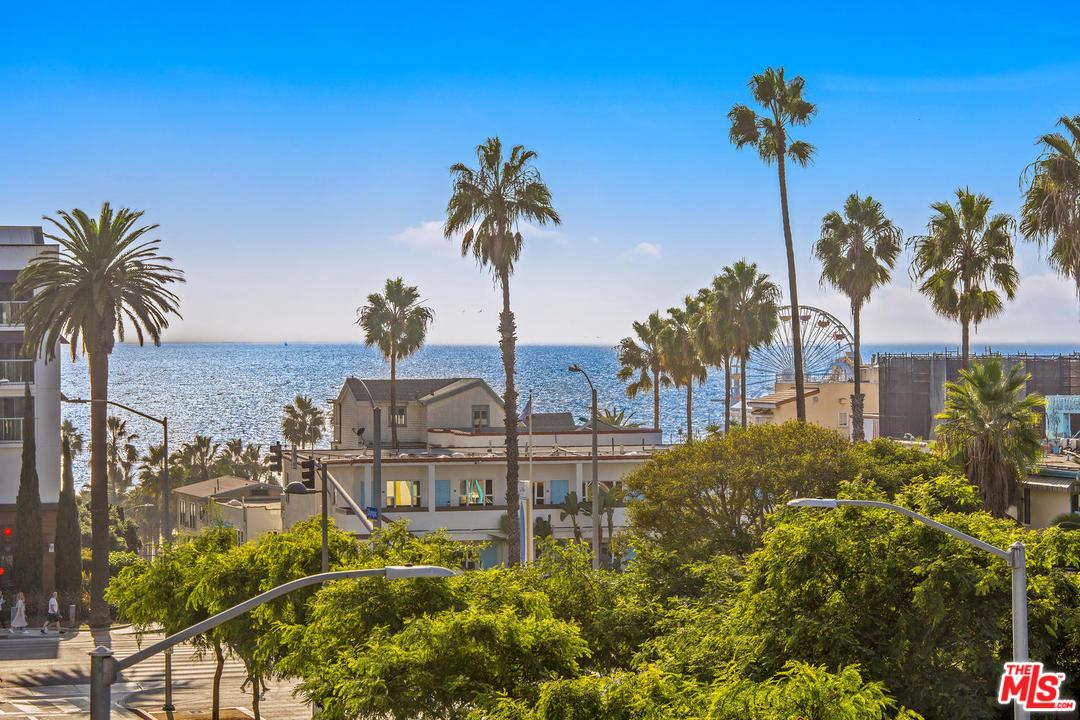 Condominium for sale in 1705 OCEAN Avenue, Santa Monica, California ,90401