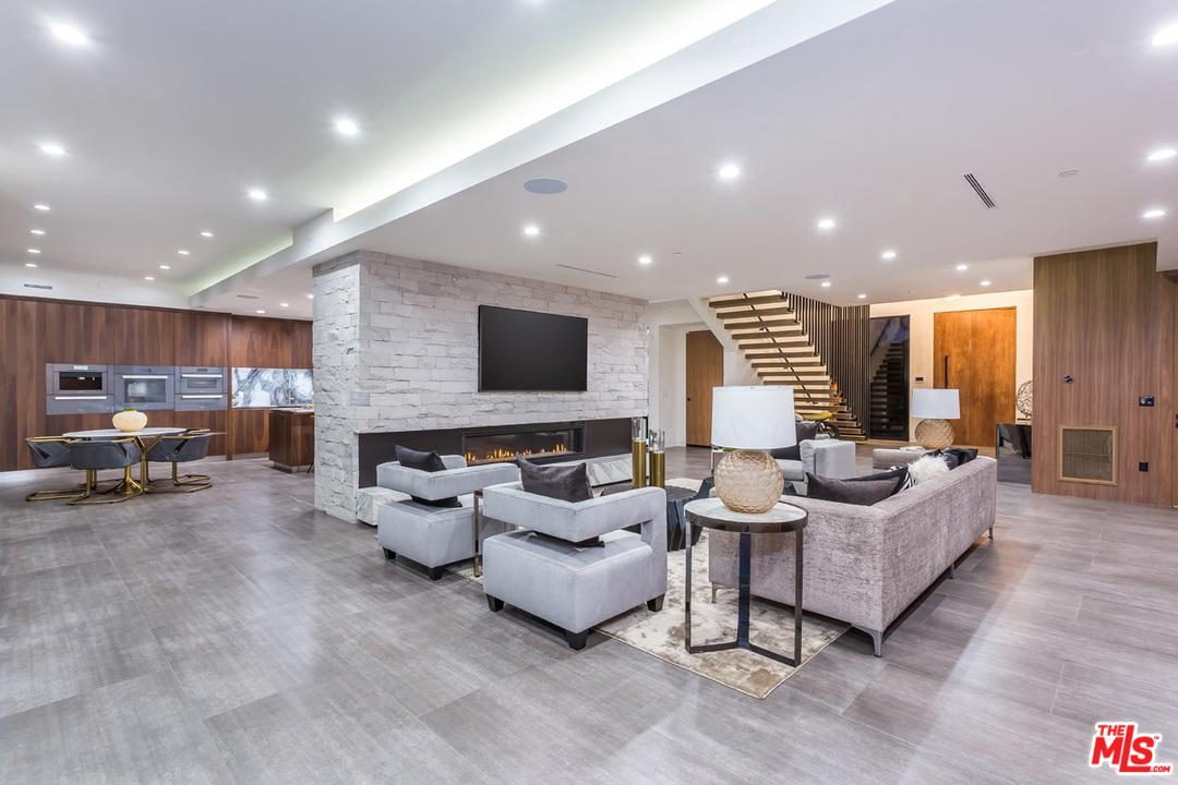 Single Family Home for sale in 7123 MACAPA Drive, Los Angeles (City), California ,90068