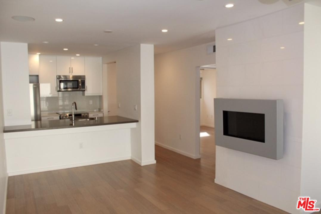 Condominium for rent in South 141 CLARK Drive, West Hollywood, California ,90048