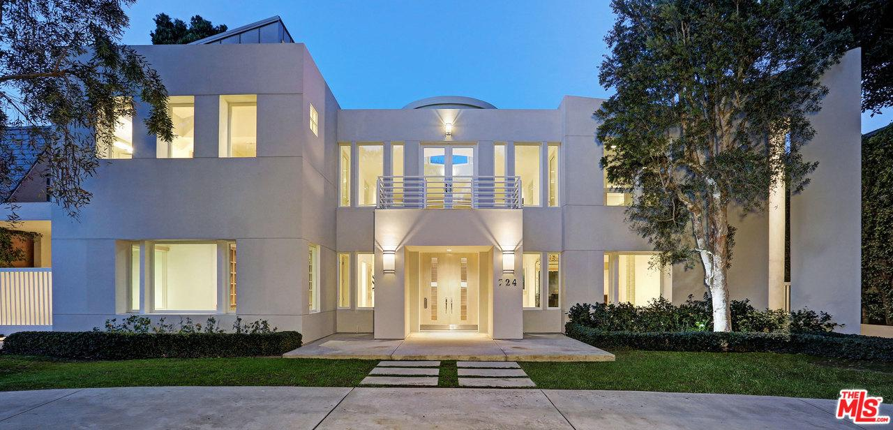Single Family Home for rent in North 724 ROXBURY Drive, Beverly Hills, California ,90210