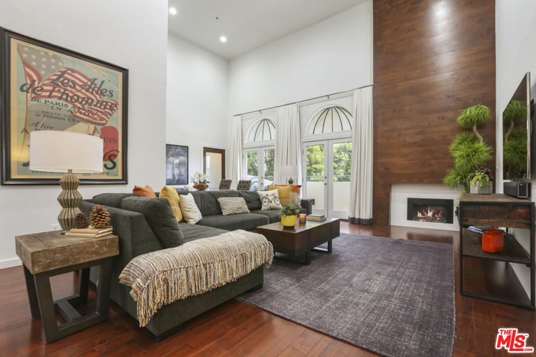 Condominium for sale in 12011 GOSHEN Avenue, Los Angeles (City), California ,90049