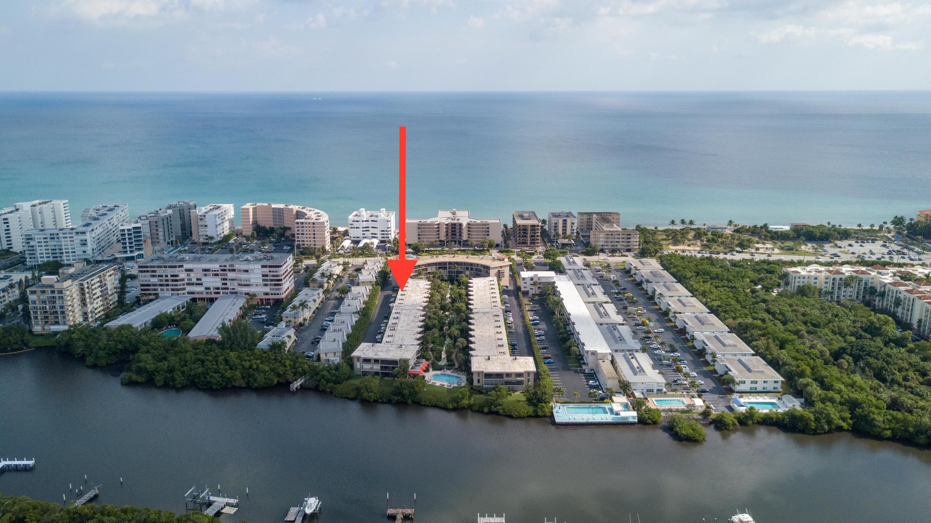 Condominium for sale in 3605 S Ocean Boulevard 103, South Palm Beach, Florida ,33480
