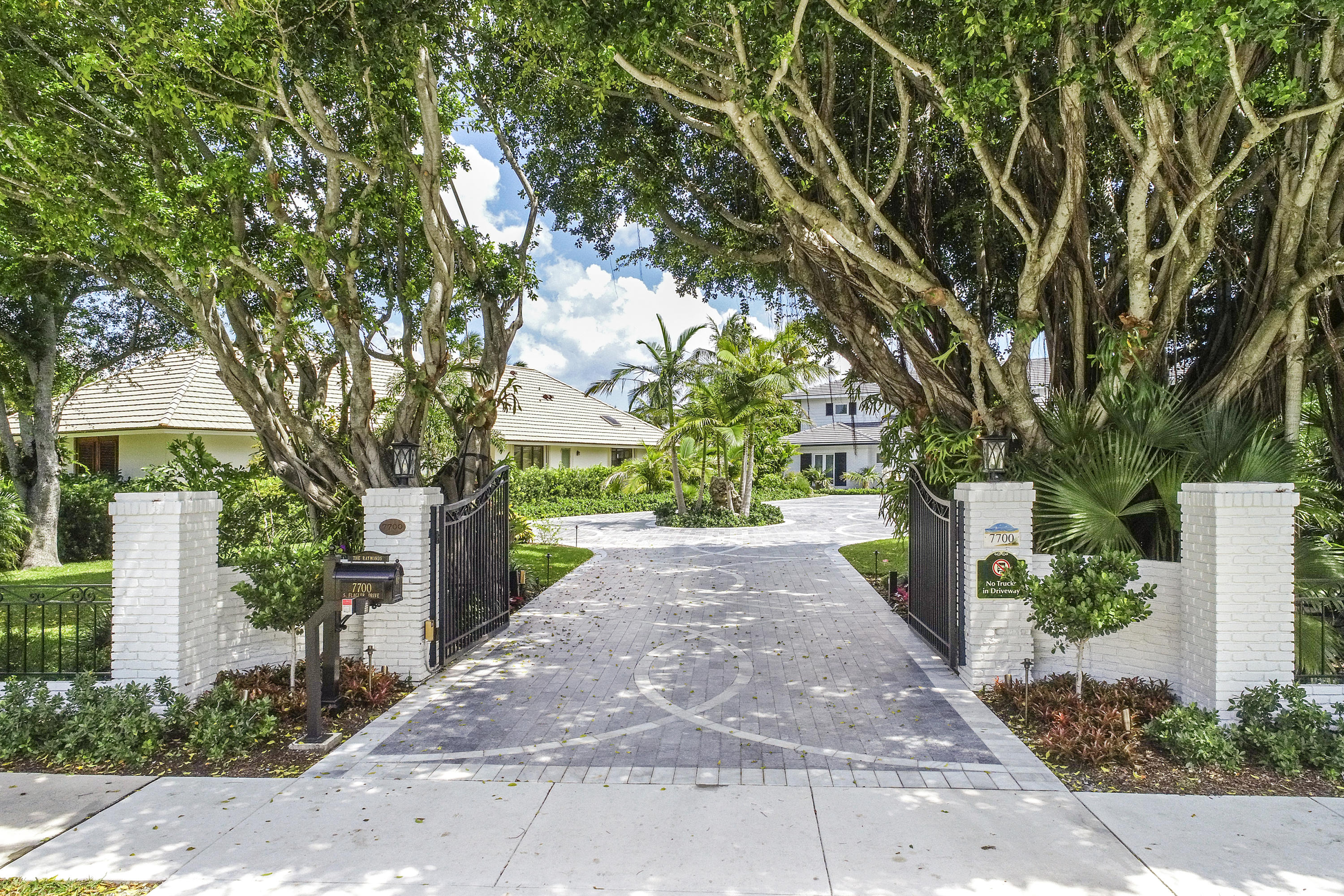 Single Family Home for sale in 7700 S Flagler Drive, West Palm Beach, Florida ,33405