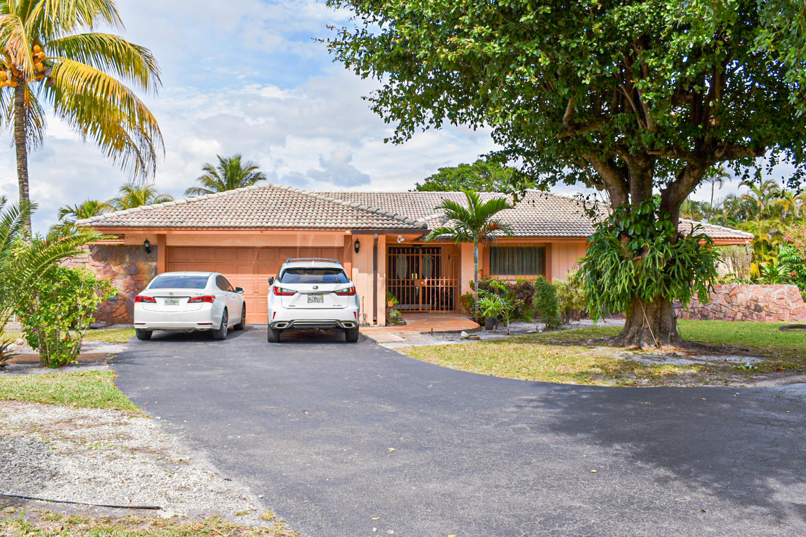 Single Family Home for sale in 18600 Troon Drive, Hialeah, Florida ,33015