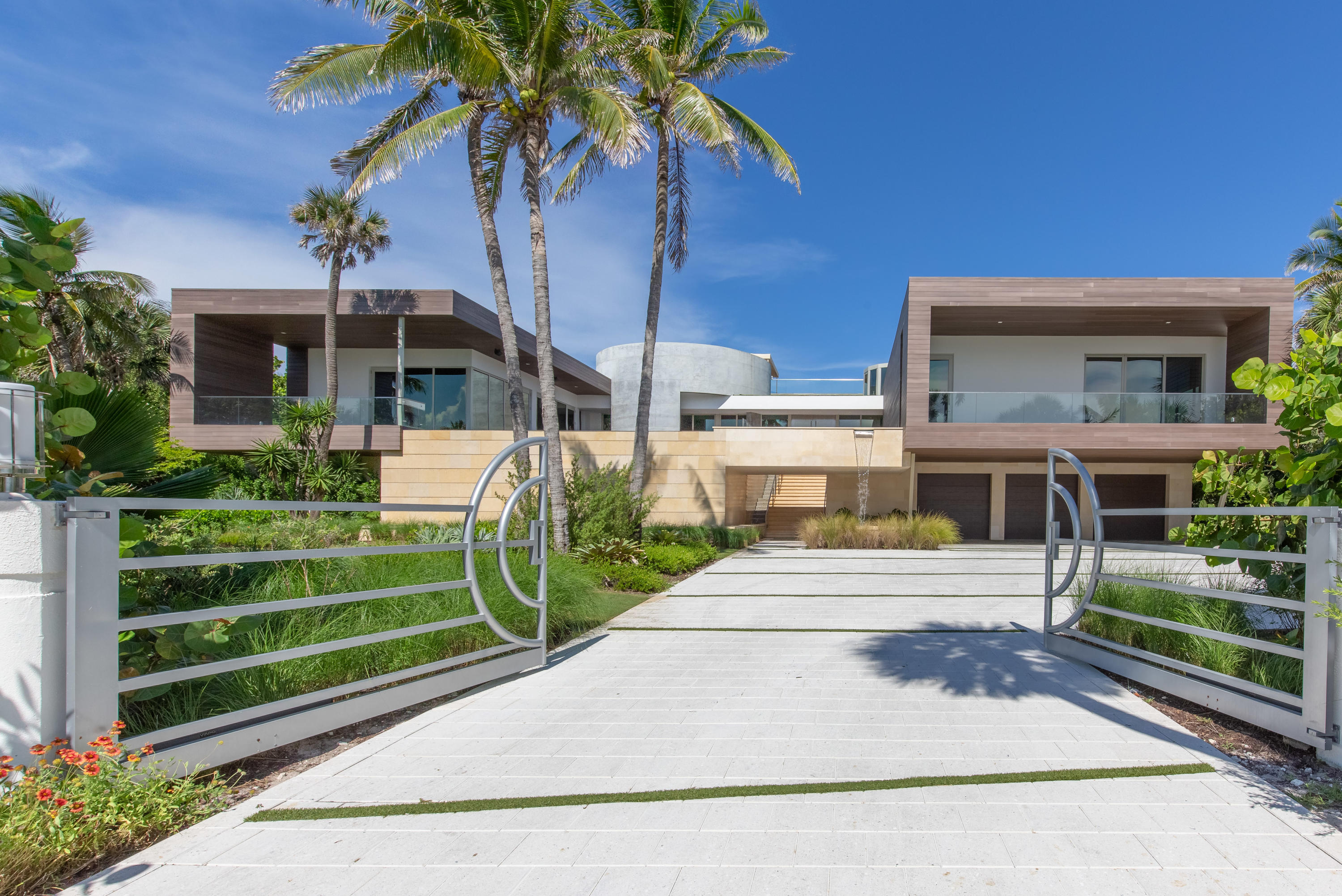Single Family Home for sale in 609 S Beach Road, Jupiter, Florida ,33469