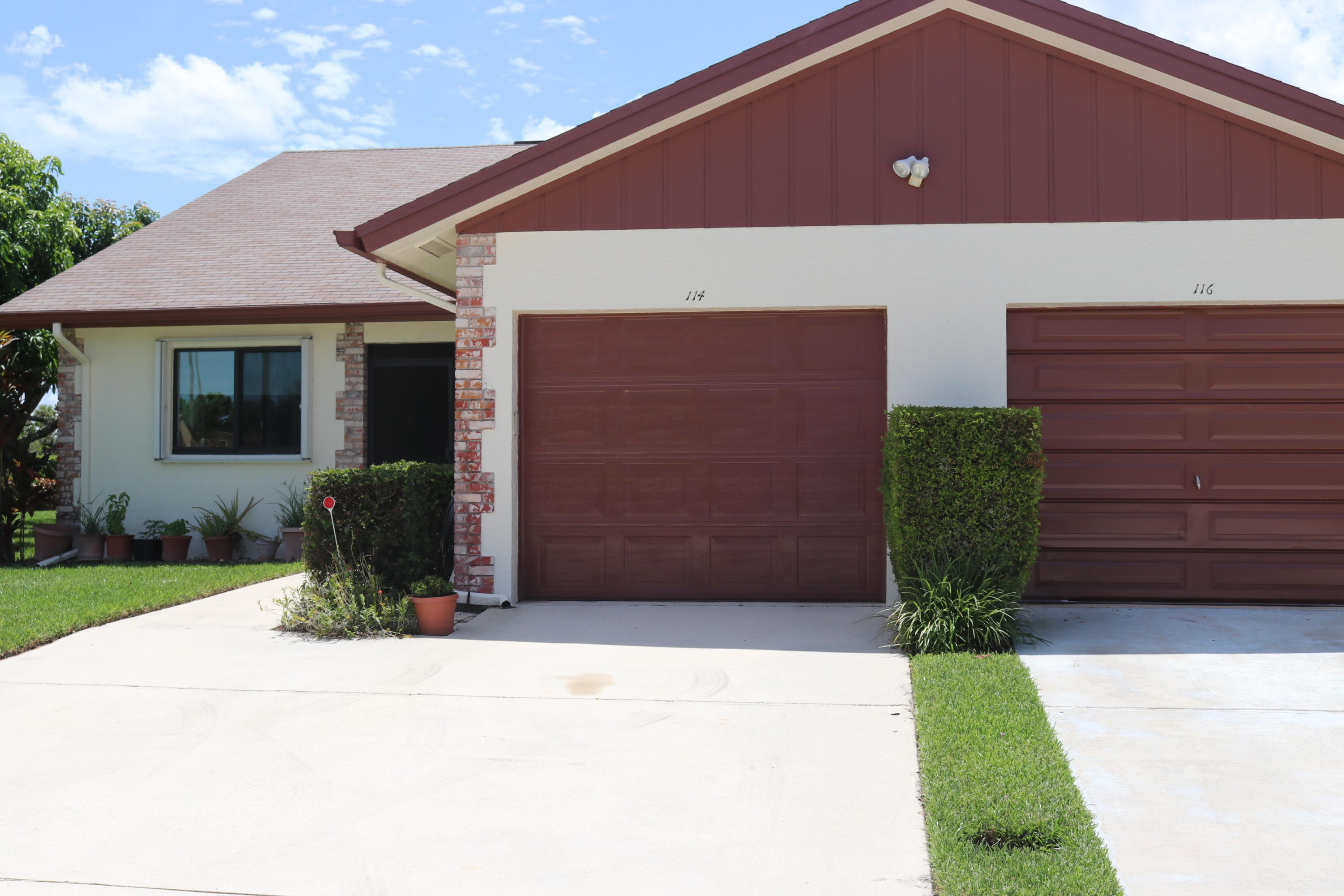 Townhouse/Row House for sale in 114 Moccasin Trail S, Jupiter, Florida ,33458