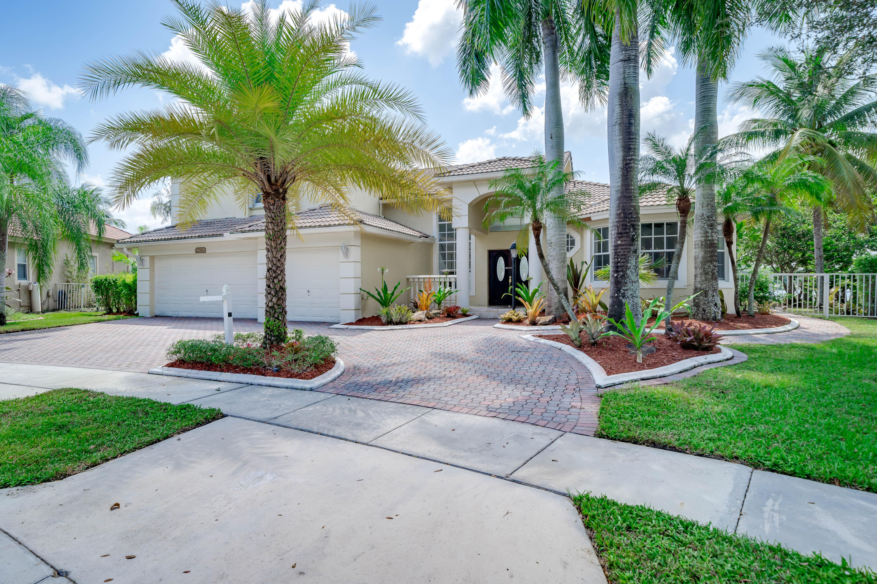 Single Family Home for sale in 12580 NW 20th Street, Pembroke Pines, Florida ,33028