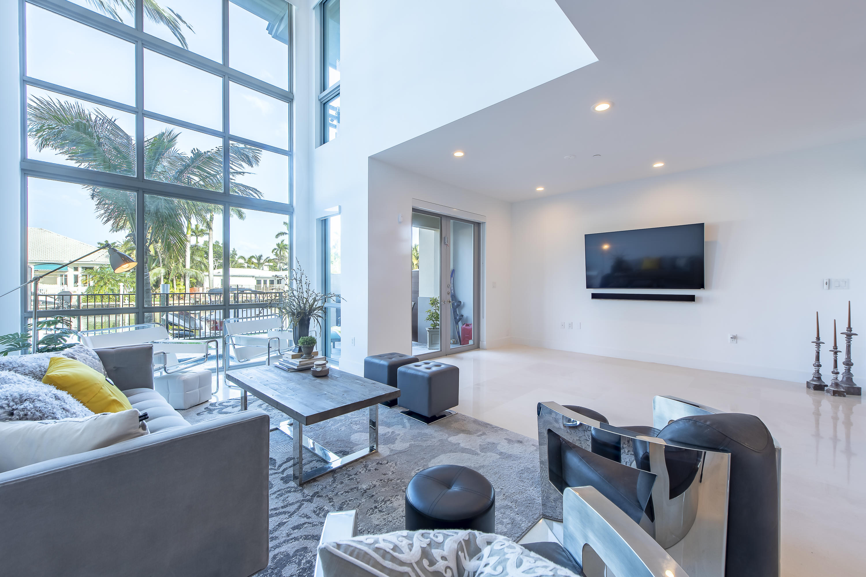 Townhouse/Row House for sale in 142 Isle Of Venice Drive, Fort Lauderdale, Florida ,33301