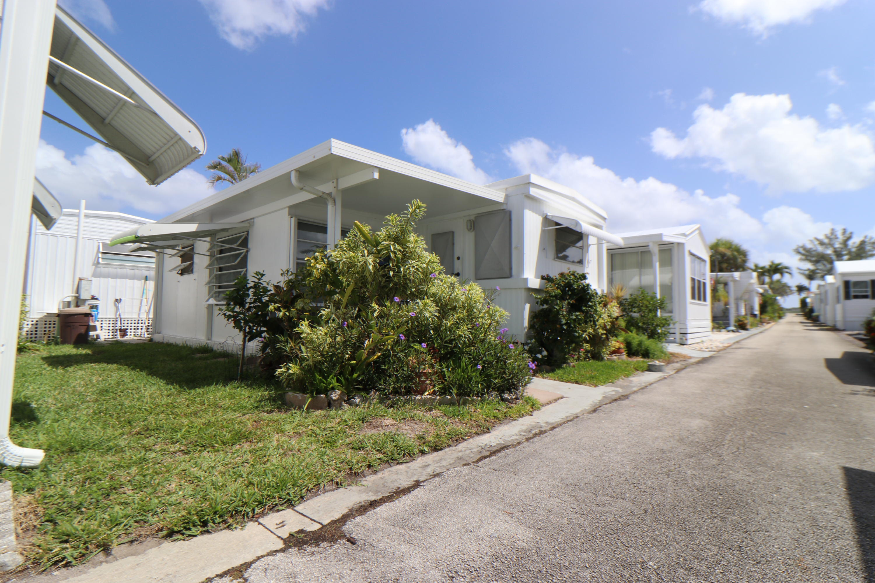Manufactured/Mobile for sale in 16 Hibiscus Drive I, Briny Breezes, Florida ,33435
