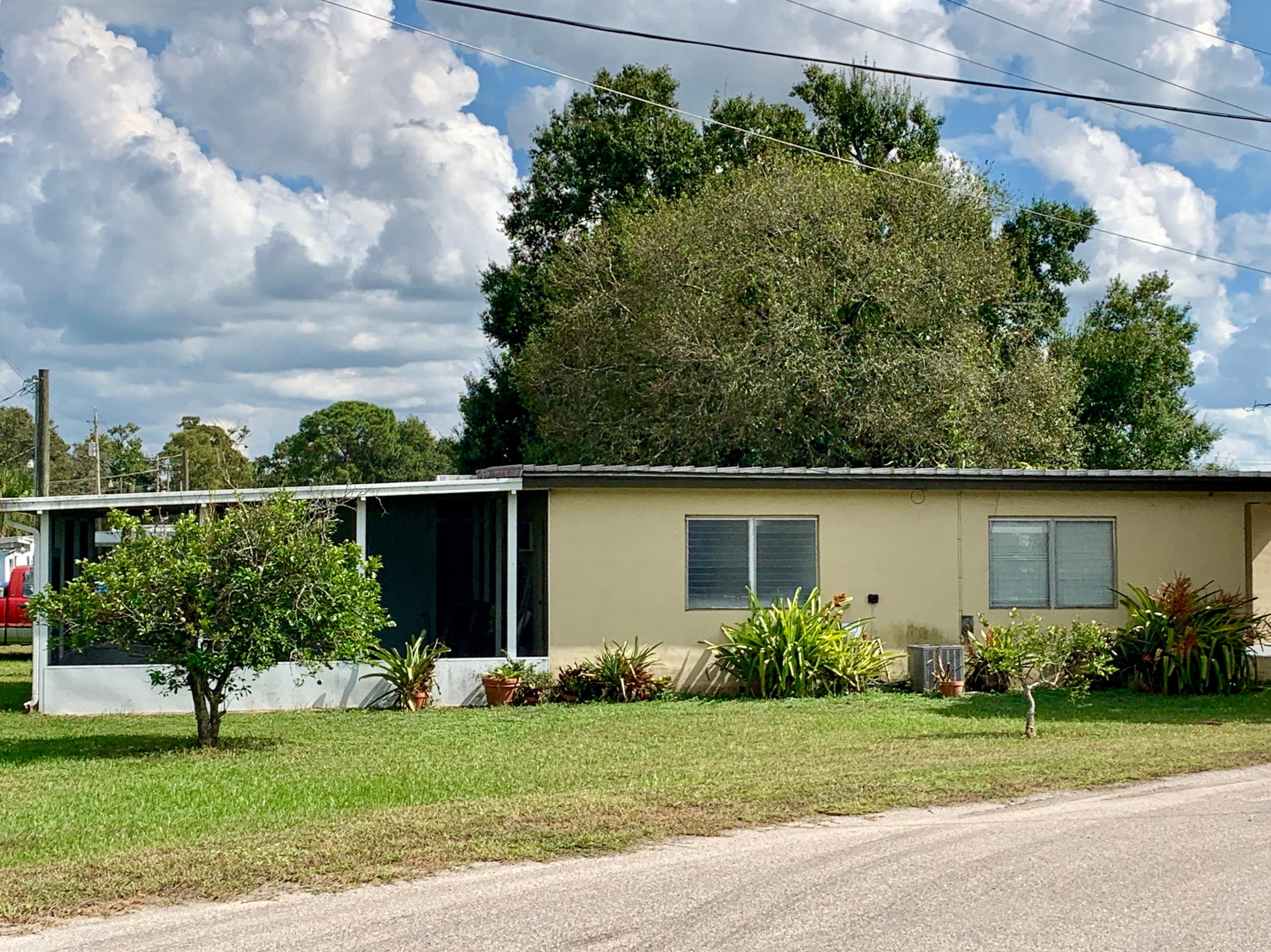 Single Family Home for sale in 299 Palm Avenue, Moore Haven, Florida ,33471