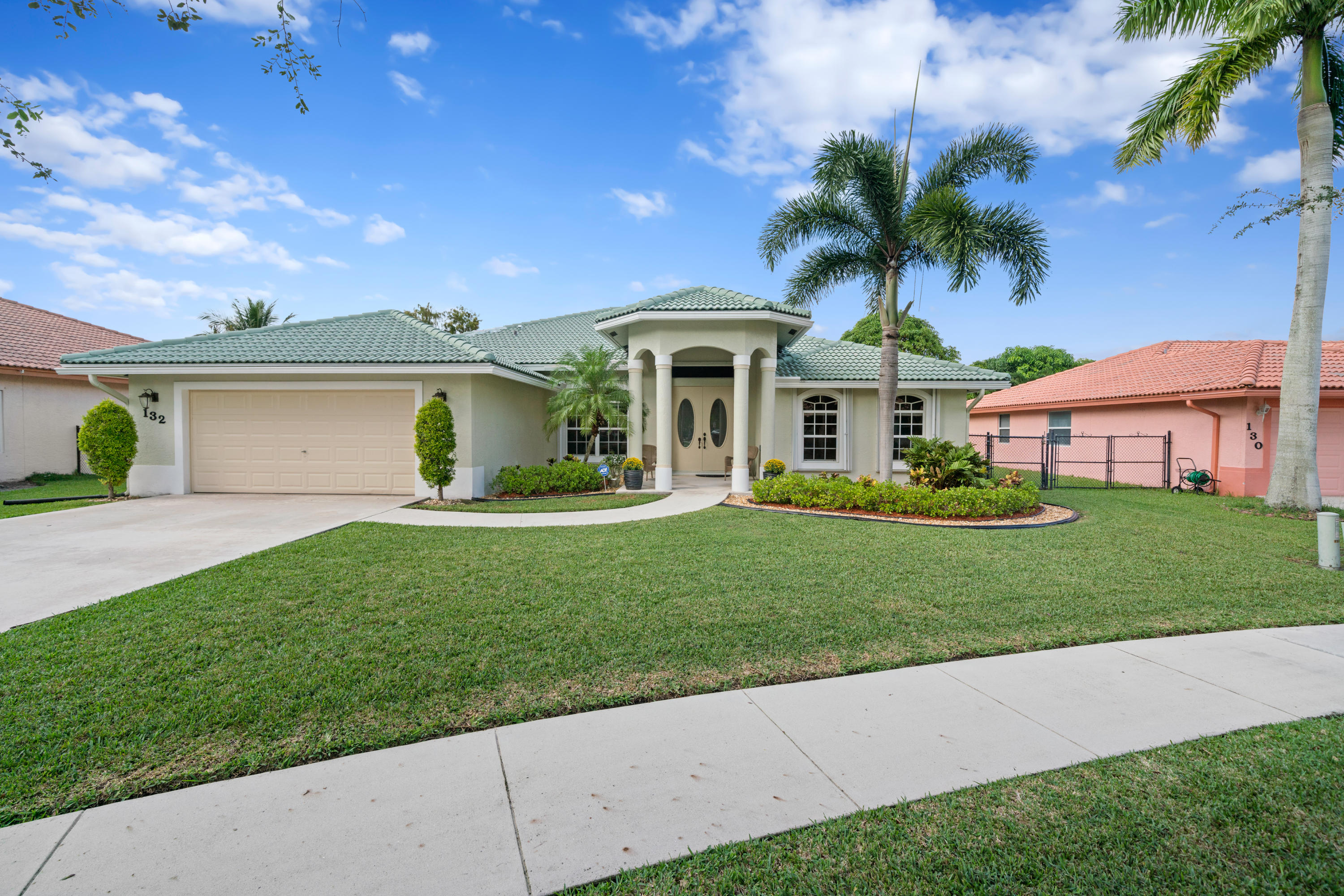 Single Family Home for sale in 132 Pepper Tree Crescent, Royal Palm Beach, Florida ,33411