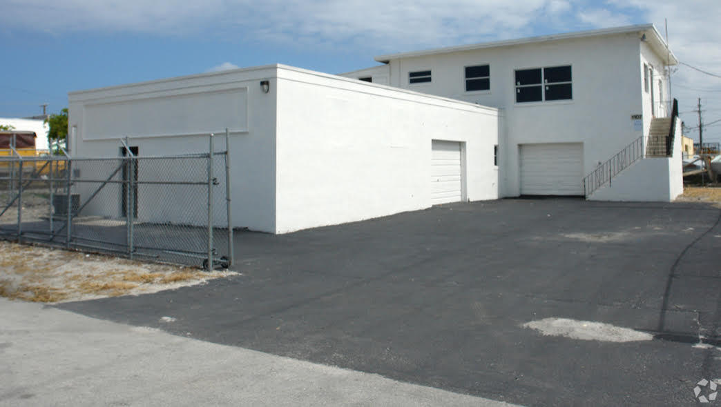 industrial for sale in 1106 6th Avenue N, Lake Worth, Florida ,33460