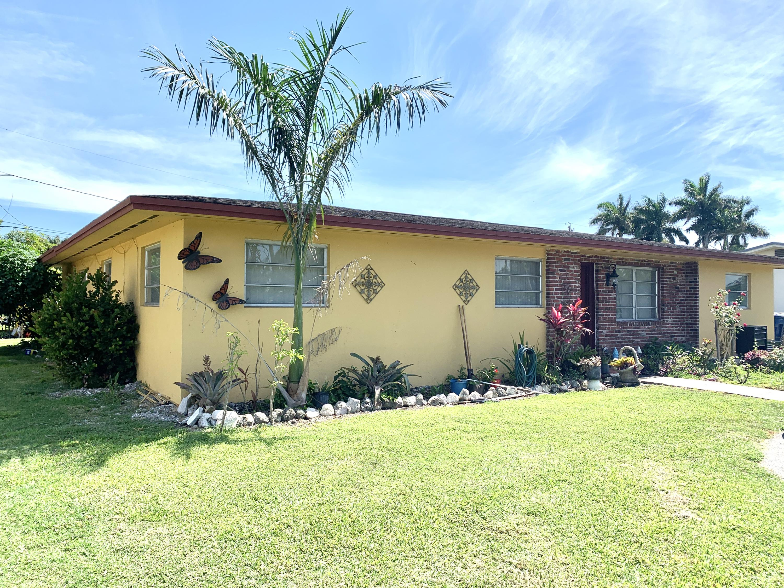 Single Family Home for sale in 224 NW Avenue J, Belle Glade, Florida ,33430