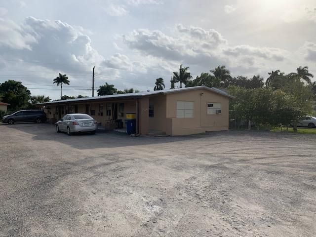 Multi-Family for sale in 208 12MKUJQH6BV2 Avenue F 1, Belle Glade, Florida ,33430